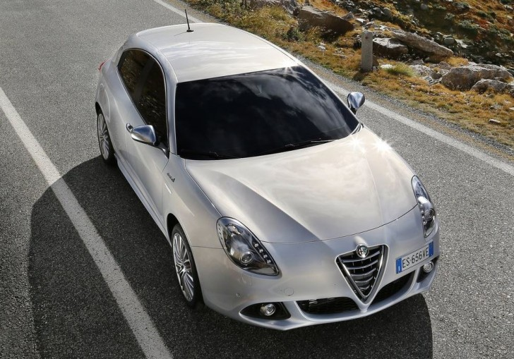 Alfa Romeo Giulietta 2014 01