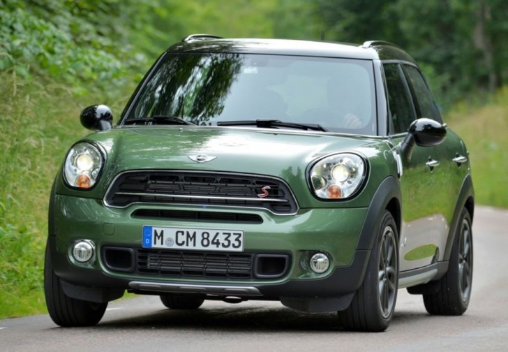 MINI COUNTRYMAN CROSSOVER 2015 02
