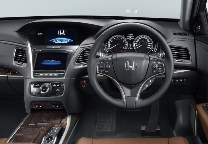 HONDA LEGEND 2015 06