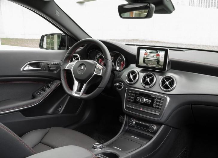 Mercedes-Benz GLA-Class 2015 08