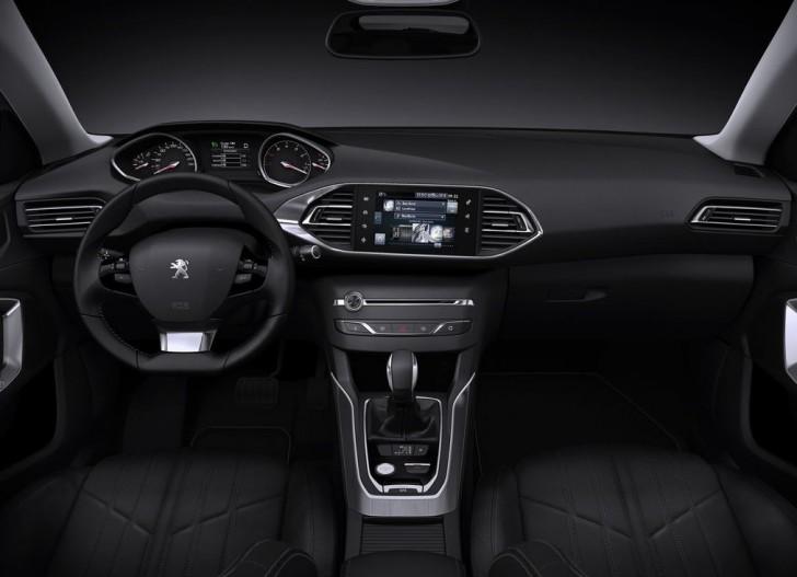Peugeot 308 SW 2014 07
