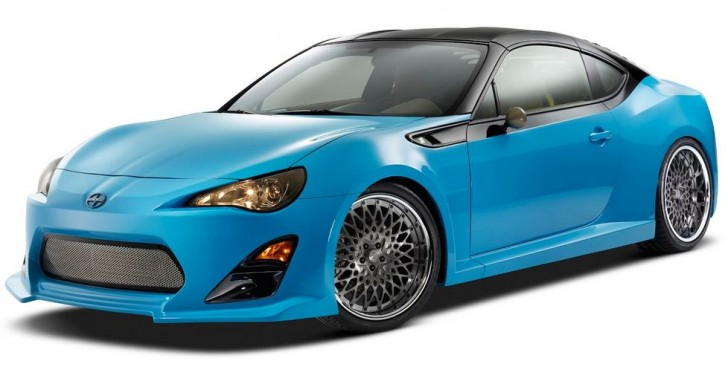 SCION Targa-Top FR-S SEMA2014 01