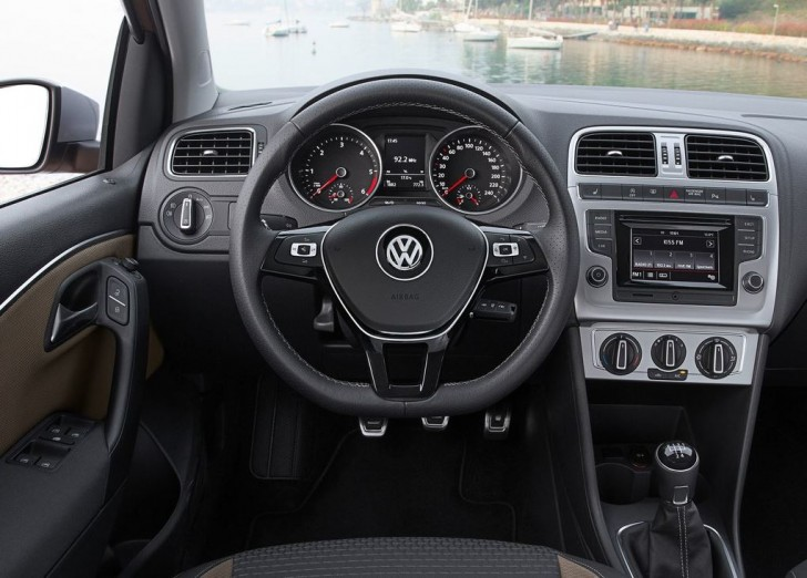 VW CrossPOLO 2014 09