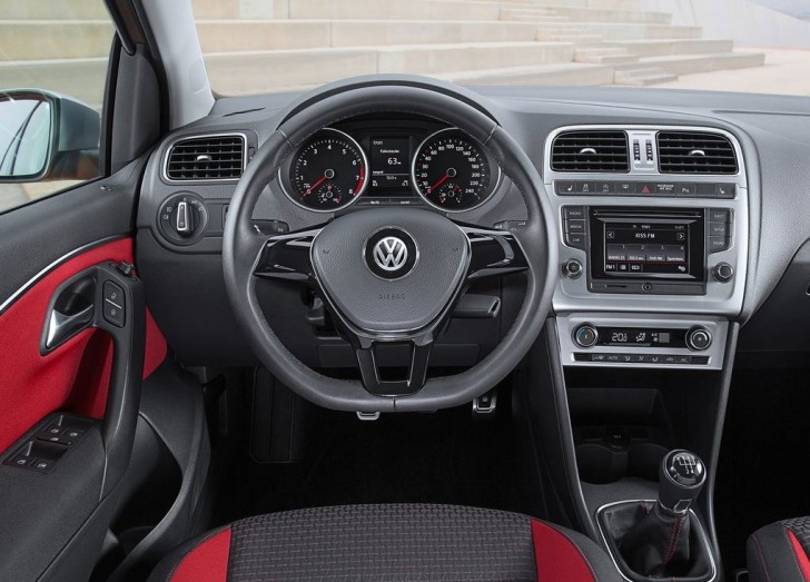 VW CrossPOLO 2014 10