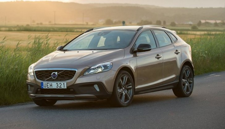 Volvo V40 Cross Country 2014 02