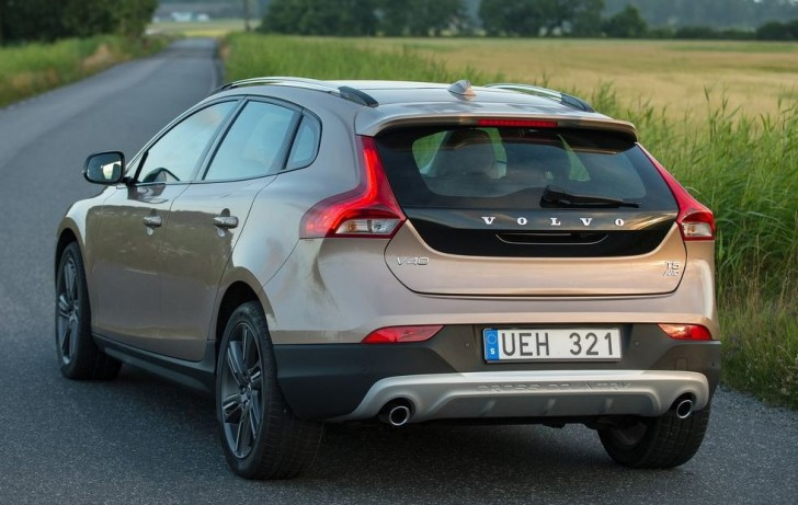 Volvo V40 Cross Country 2014 03