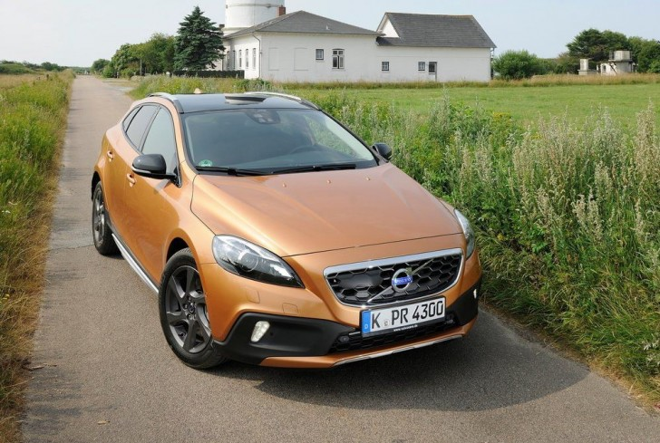 Volvo V40 Cross Country 2014 05