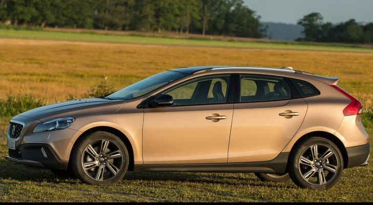 Volvo V40 Cross Country 2014 06