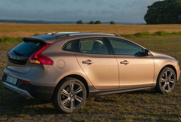 Volvo V40 Cross Country 2014 07