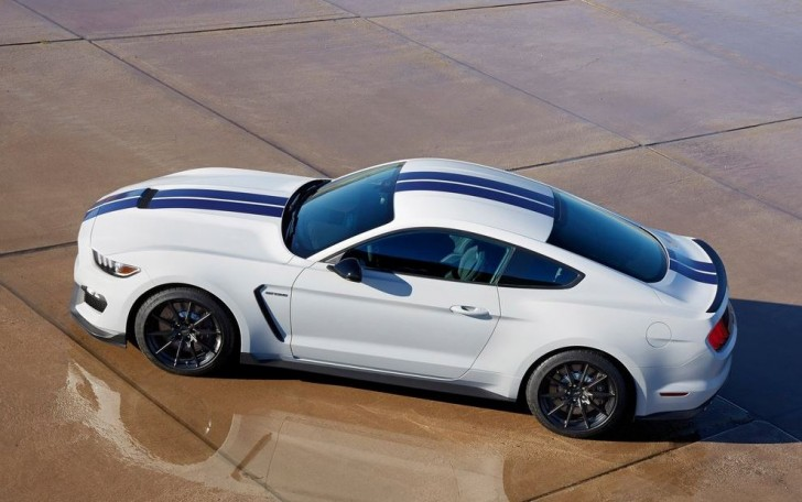 Ford Mustang Shelby GT350 2016 02