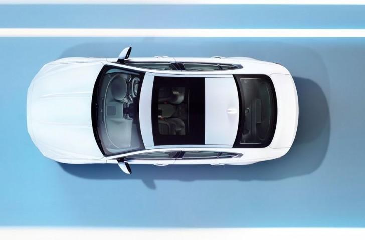 Jaguar XE 2016 06