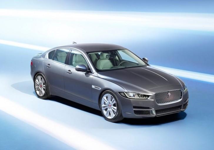 Jaguar XE 2016 08