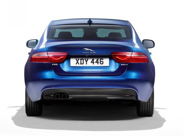 Jaguar XE 2016 10