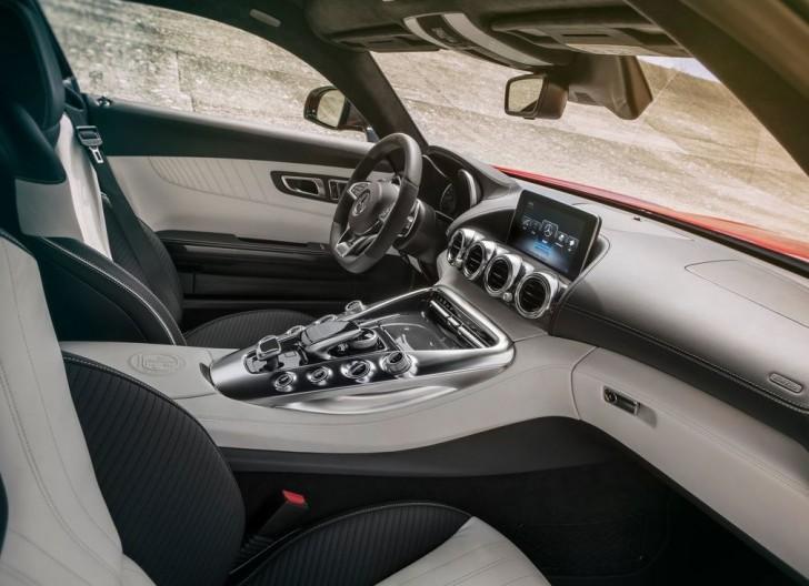 Mercedes-Benz AMG GT 2016 10