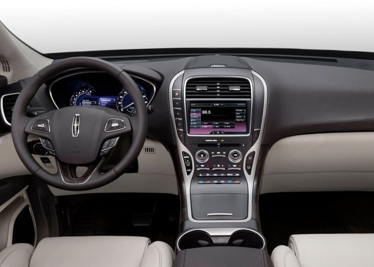 Lincoln MKX 2016 10