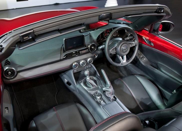 Mazda MX-5 2016 10