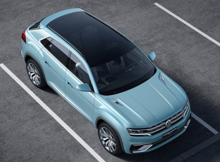 Volkswagen Cross Coupe GTE Concept 2015 05