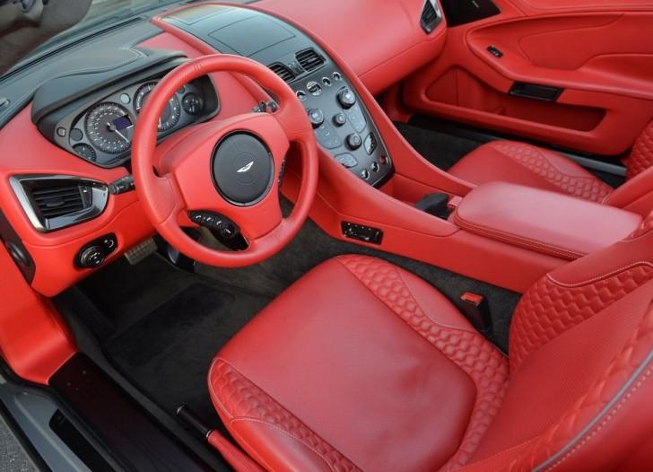 Aston Martin Vanquish Volante 2015 10