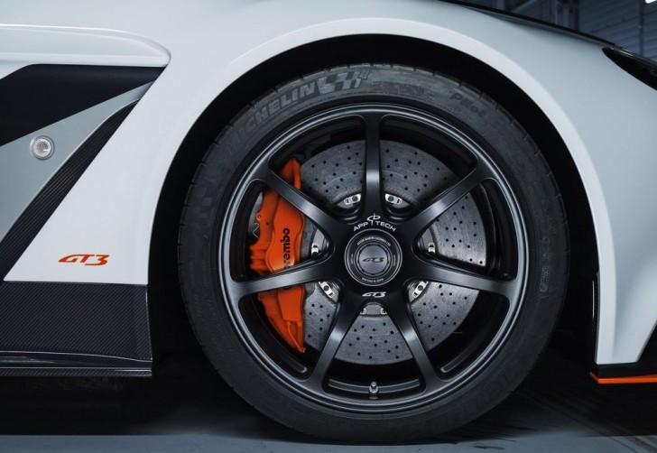 Aston Martin Vantage GT3 Special Edition 2015 09