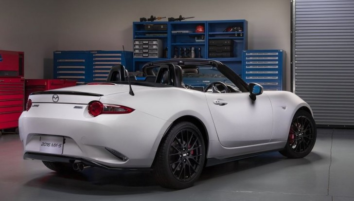 Mazda MX-5 Accessories Design Concept 2015 02