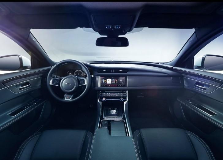 Jaguar XF 2016 09