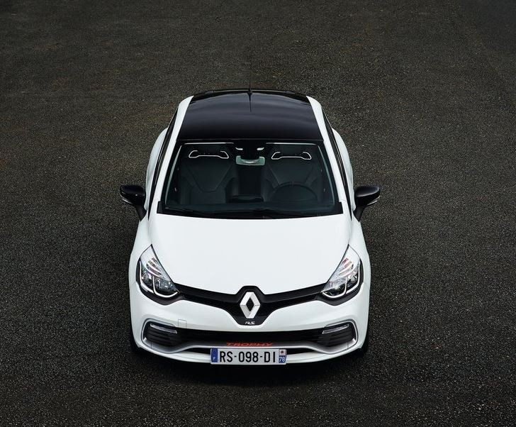 Renault Clio RS 220 Trophy EDC 2016 02