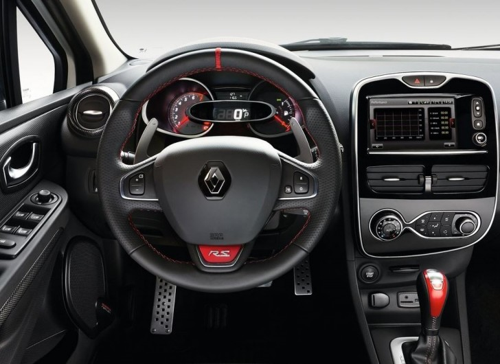 Renault Clio RS 220 Trophy EDC 2016 07