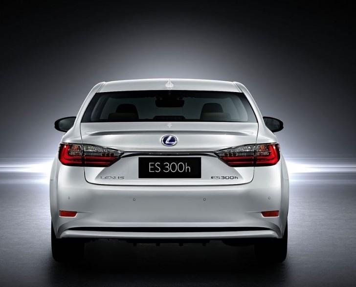 Lexus ES 2016 05