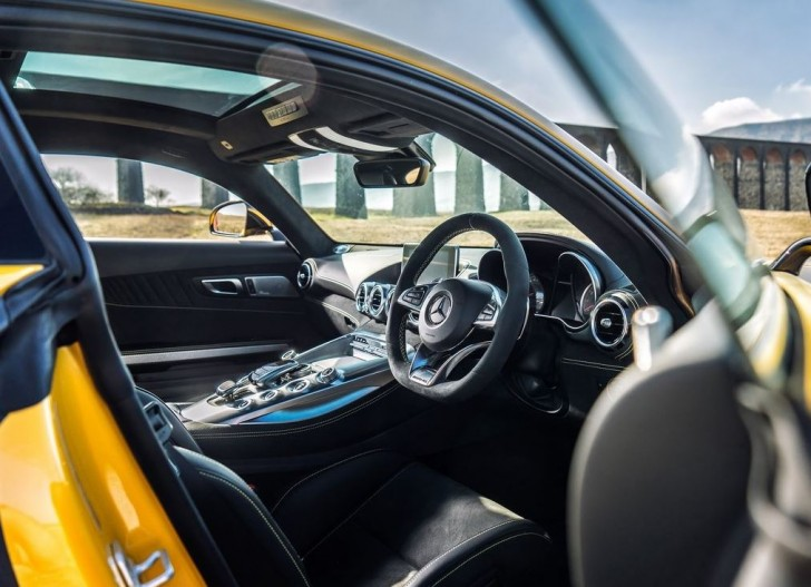 Mercedes-Benz AMG GT S UK-Version 2016 09