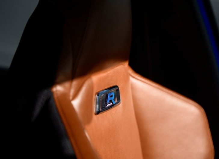 Peugeot 308 R HYbrid Concept 06