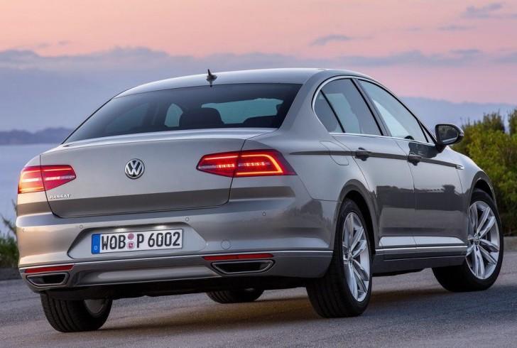Volkswagen Passat 2015 02