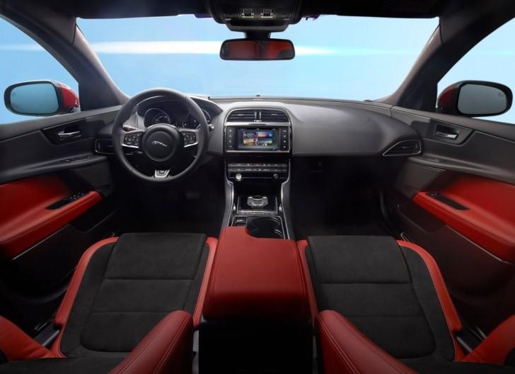 Jaguar XE S 2016 06