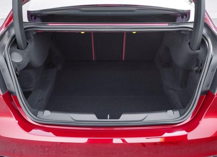 Jaguar XE S 2016 09