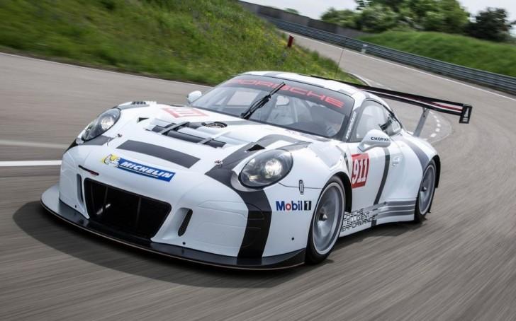 Porsche 911 GT3 R 2016 01