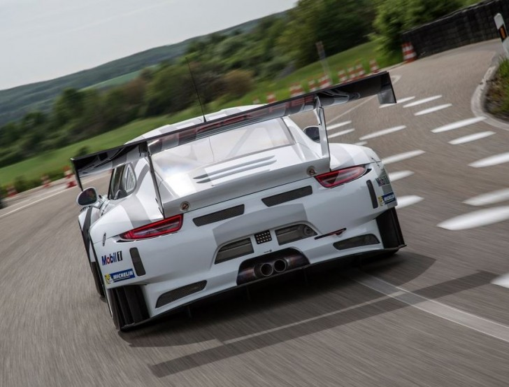Porsche 911 GT3 R 2016 04