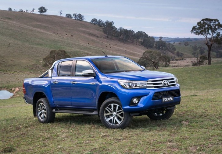 Toyota HiLux 2016 03