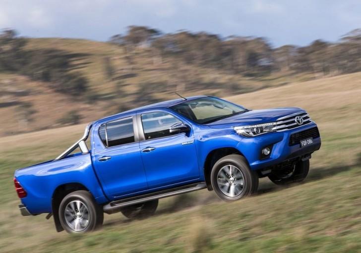 Toyota HiLux 2016 04