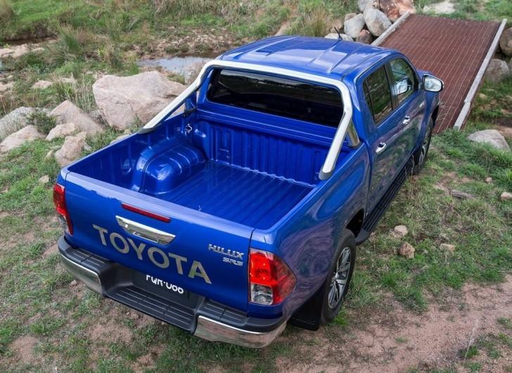 Toyota HiLux 2016 06