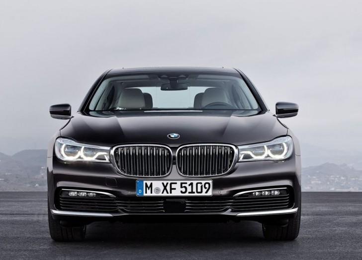 BMW 7-Series 2016 02