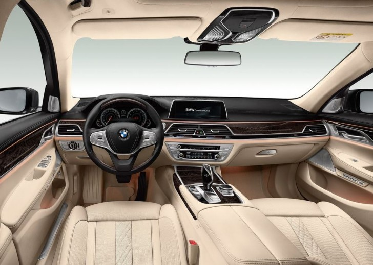BMW 7-Series 2016 07