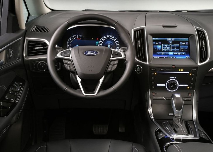 Ford Galaxy 2016 08