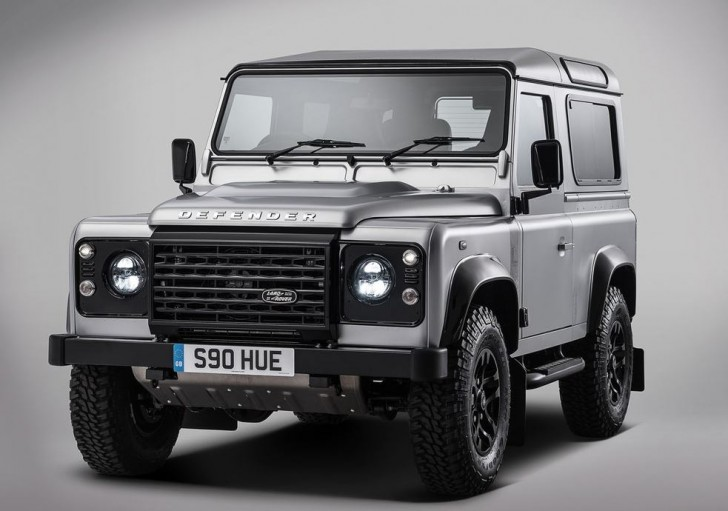 Land Rover Defender 2.000.000 2015 01