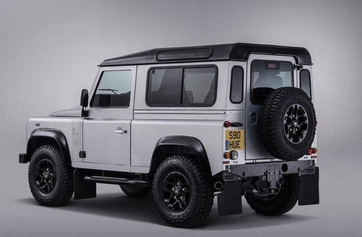 Land Rover Defender 2.000.000 2015 04