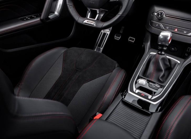 Peugeot 308 GTi 2016 11