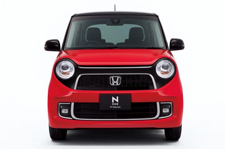 N-ONE Premium Tourer(ミラノレッド&ブラック)2