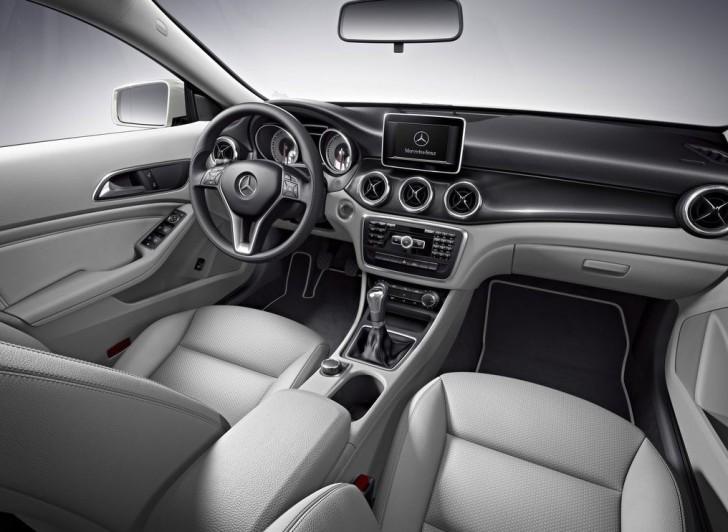 Mercedes-Benz CLA-Class 2014 12
