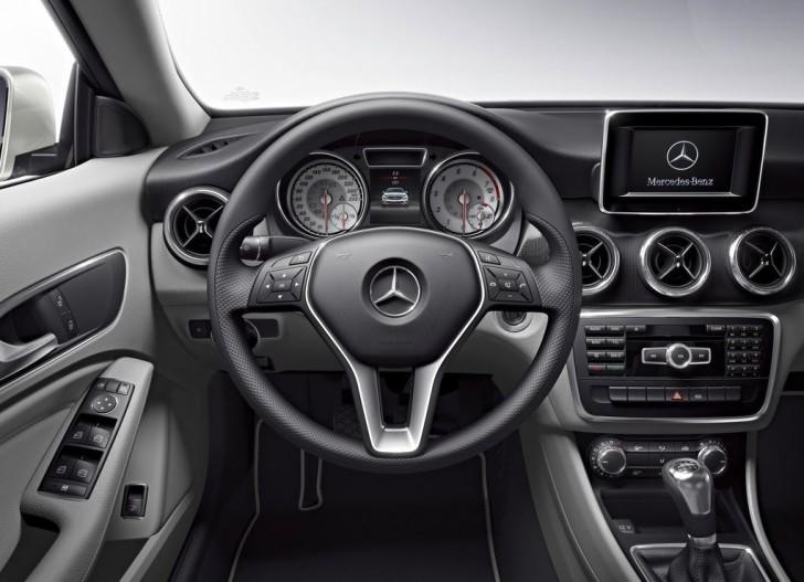 Mercedes-Benz CLA-Class 2014 14