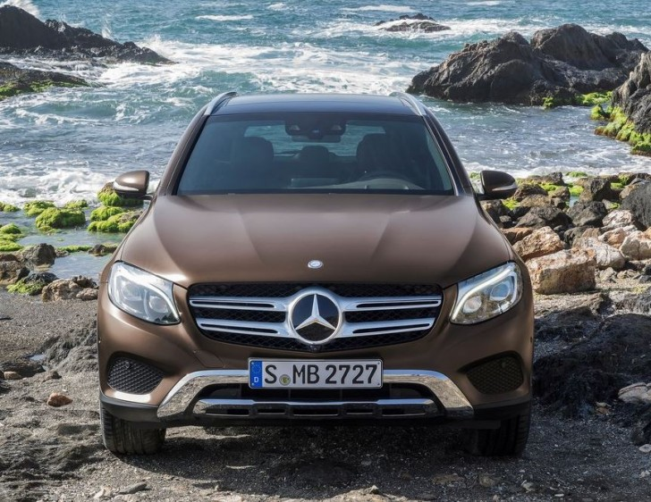 Mercedes-Benz GLC 2016 02