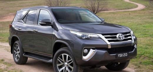 Toyota Fortuner 2016 01