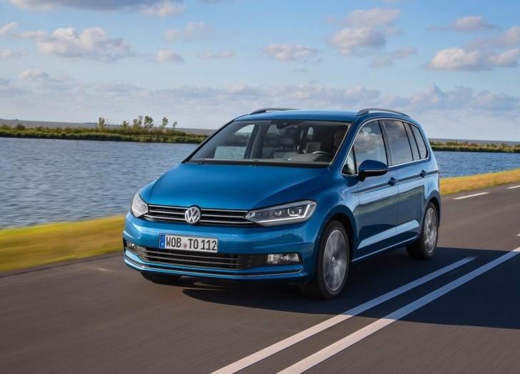 Volkswagen Touran 2016 04